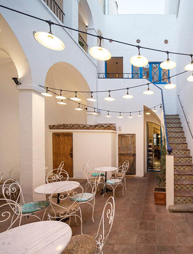 Detalls de l'edifici que avui és el Restaurant Blau de Mar
